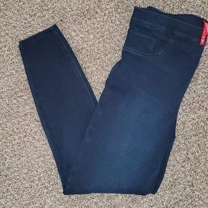 Spanx Jeanish leggings sz Lg. In twilight rinse